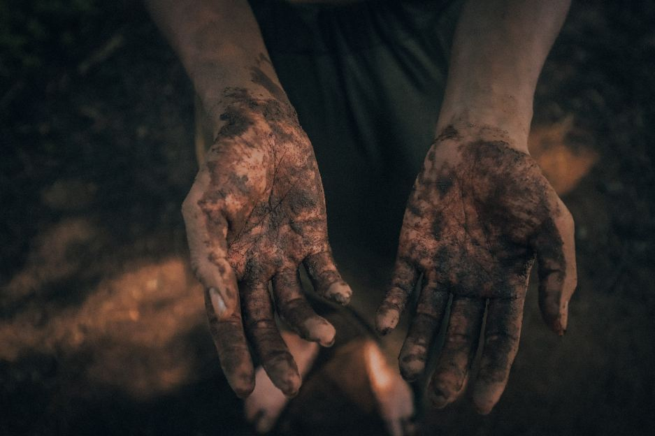 There Will Be Mud - by Leyann Smili (Photo by Chris Yang).jpg